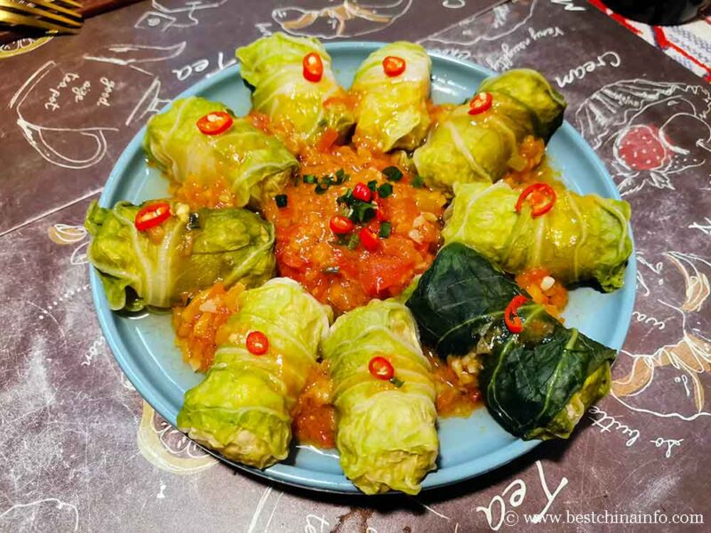 Chinese auspicious dish cabbage meat rolls